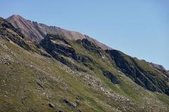 Der lange Grat von der Kreuzspitze zum Vorderen Sajatkopf.